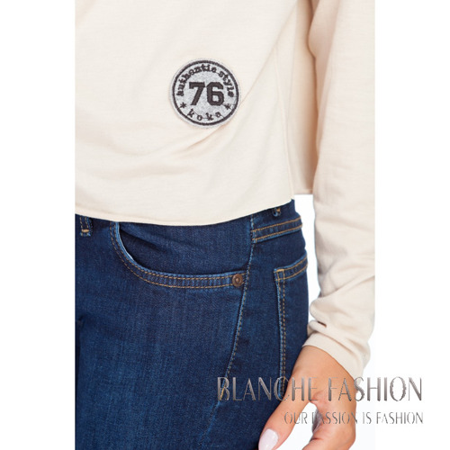 Oversize Top with badge 76 in black colour